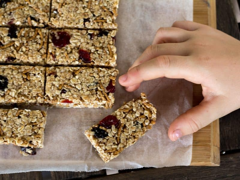 No-Bake Honey and Oat Muesli Bars - quick and easy