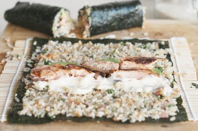 Making brown rice sushi