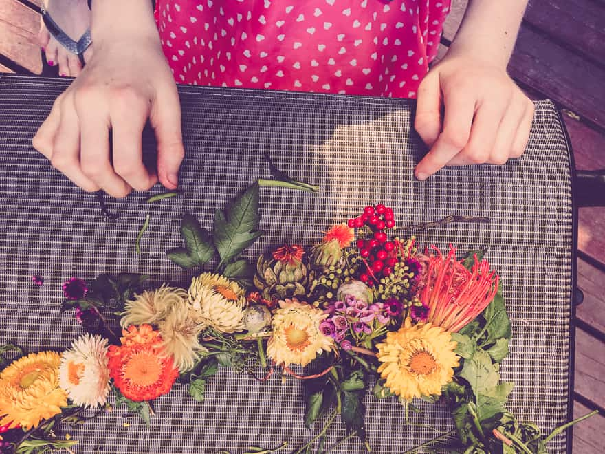 Natural Christmas Wreath DIY add flowers