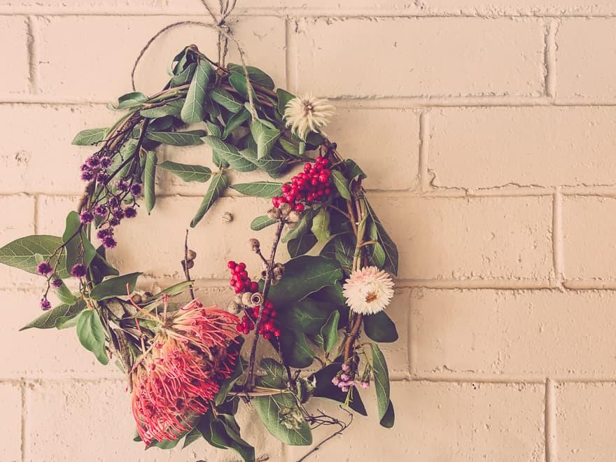 Natural Christmas Wreath tutorial to DIY