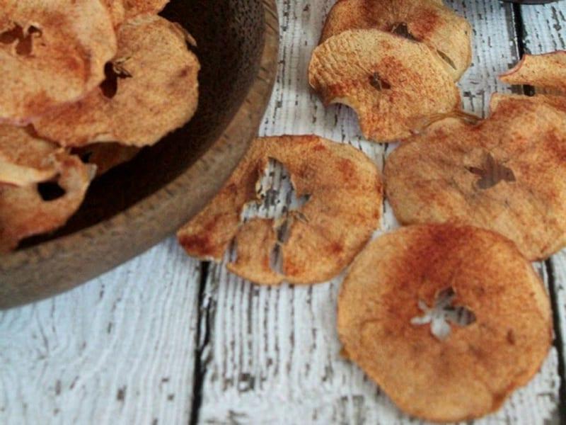 Cinnamon apple chips - delicious