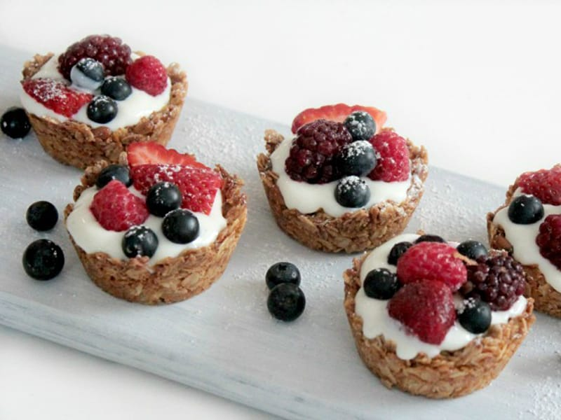Mixed berry oat cups