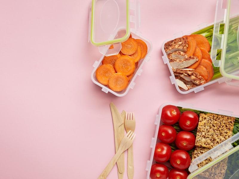 21+ healthy lunchbox snacks to bake or buy