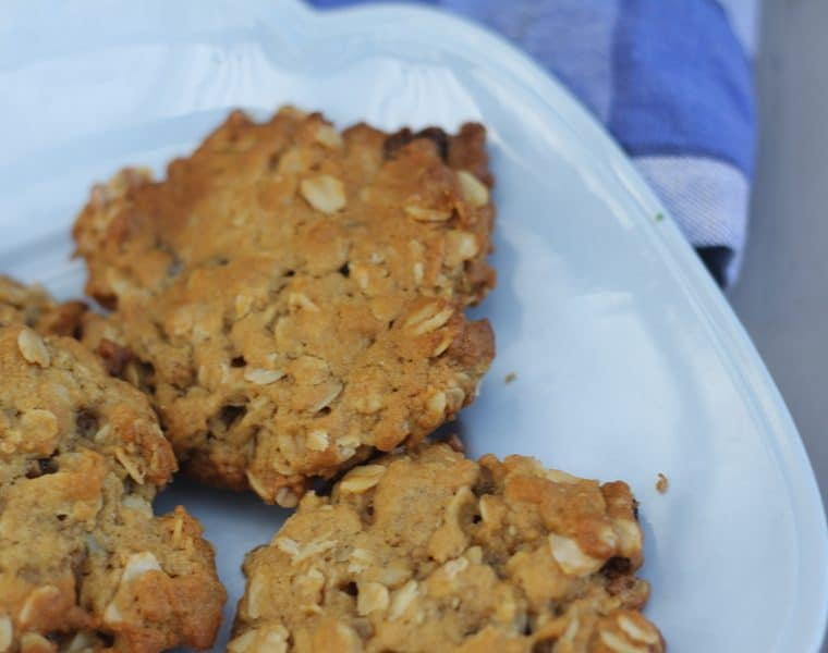 Muesli cookies - easy recipe with a satisfying crunch