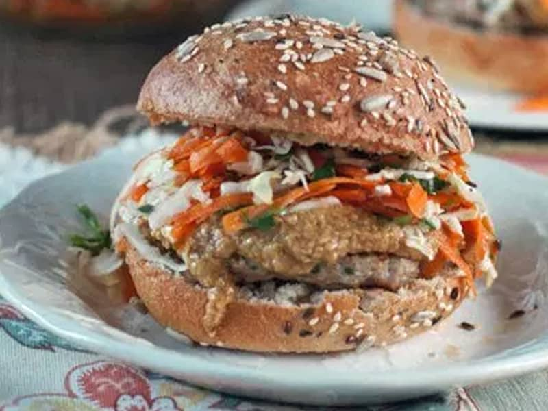 Satay chicken burgers - a quick meal