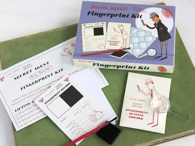 Gifts for tweens - fingerprinting kit